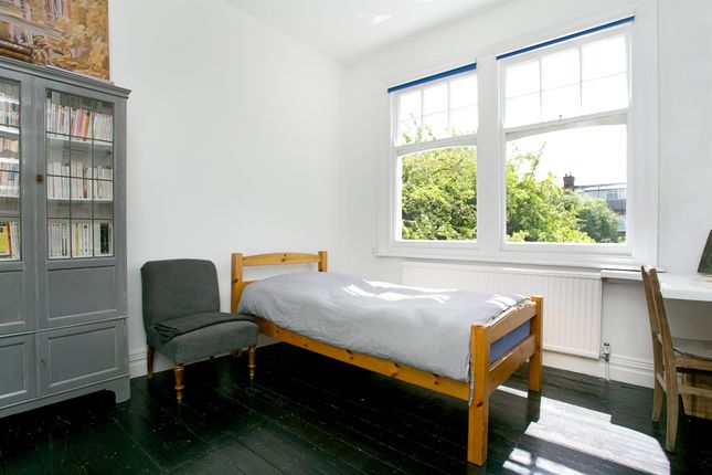 Bedroom 3 of Kirkstall Road, London SW2
