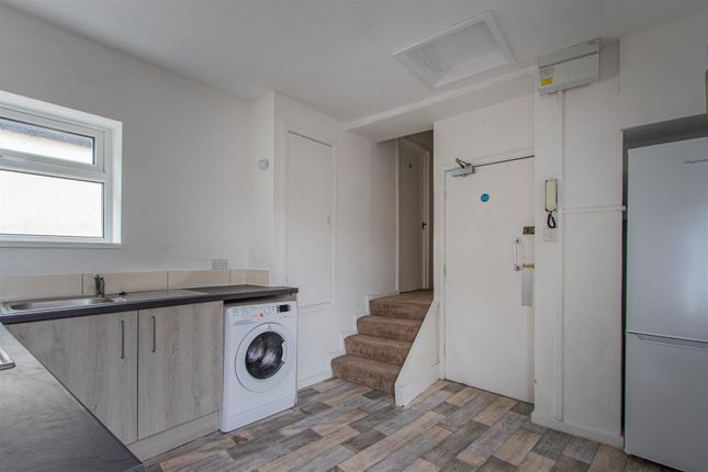 Thumbnail Flat to rent in Coldstream Terrace, Cardiff