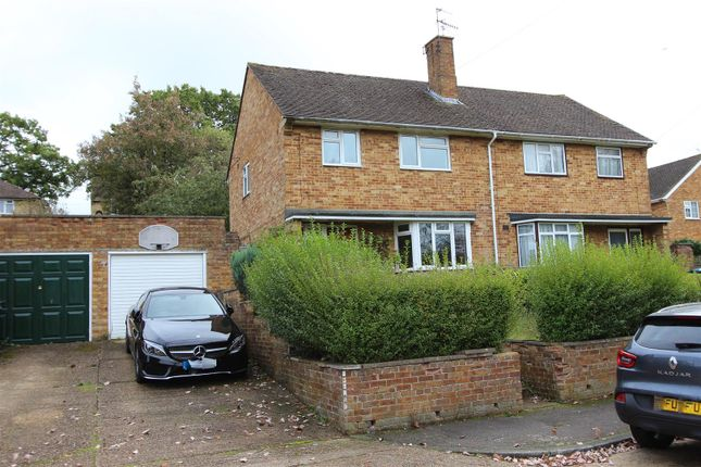 Thumbnail Semi-detached house for sale in East Flint, Warners End, Hemel Hempstead