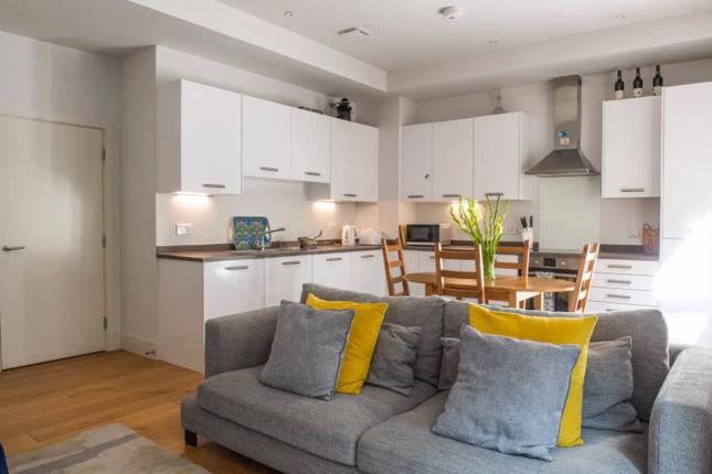 Thumbnail Flat to rent in Casbeard Street, London