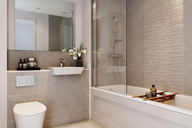 Bathroom of Millfields, Hackbridge CR4