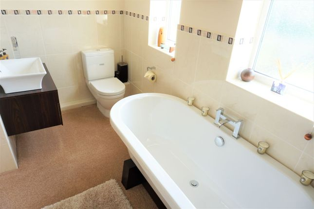 Bathroom of Stryt Isa, Penyffordd Chester CH4