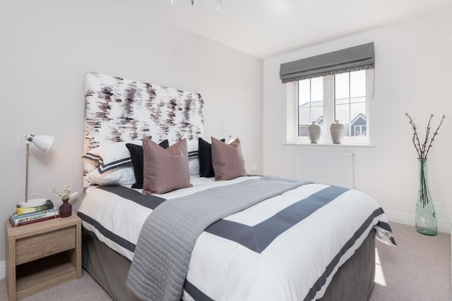 2 bedroom flat for sale in Shopwyke Lake, Tern Crescent, Chichester, West Sussex