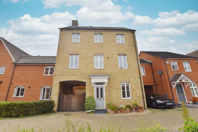 Thumbnail Town house for sale in Arrowsmith Walk, Colchester