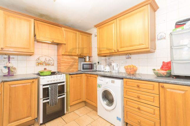 Thumbnail Terraced house to rent in Rockingham Street, London
