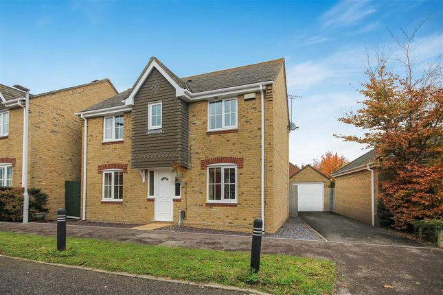 3 bed detached house to rent in Benjamin Road, Hamworthy, Poole BH15