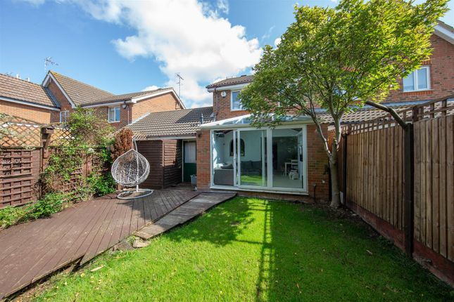 Thumbnail Detached house to rent in Bishop Close, Leighton Buzzard