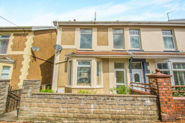 Thumbnail Property to rent in The Avenue, Tonyrefail, Porth