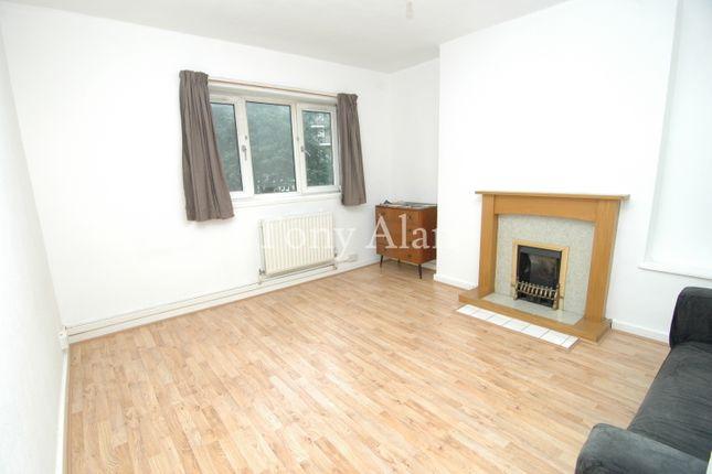 Thumbnail Flat to rent in Smart Street, London