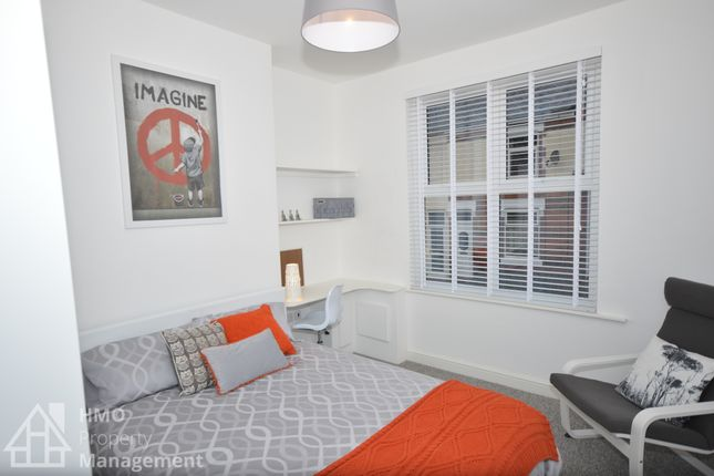 Thumbnail Shared accommodation to rent in Hill Street, Newcastle Under Lyme