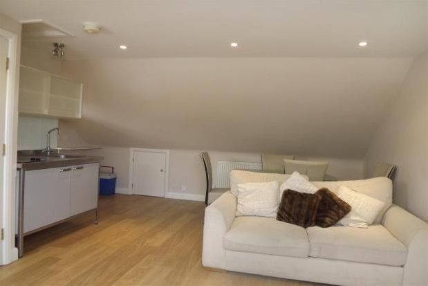 1 bed flat to rent in Braeside, Beckenham