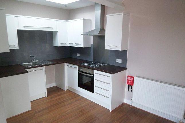 Thumbnail Flat to rent in Austhorpe Road, Crossgate, Leeds