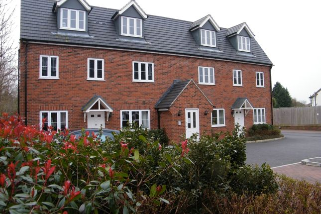 Thumbnail Flat to rent in Ilminster Road, Taunton