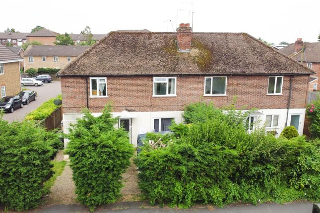 2 bed maisonette for sale in Vale Road, Camberley GU15