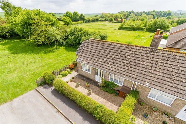 2 bed bungalow for sale in Tennyson Close, Benniworth, Lincolnshire