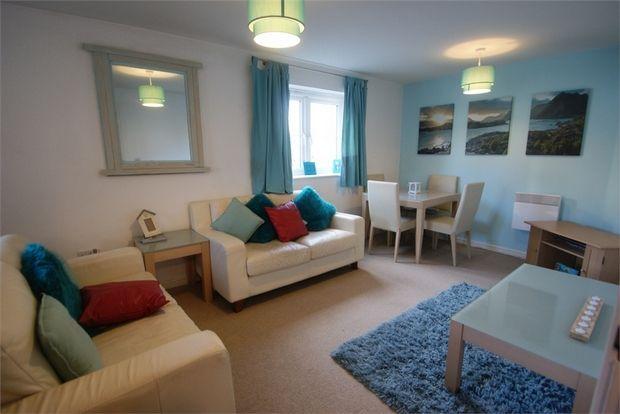 Thumbnail Flat to rent in Six Mills Avenue, Gorseinon, Swansea, West Glamorgan