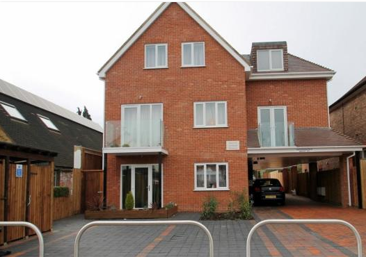 Thumbnail Flat to rent in Leicester Road, Barnet