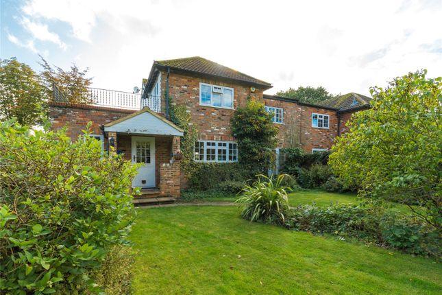 Picture No. 17 of Bulstrode Lane, Felden, Hemel Hempstead, Hertfordshire HP3