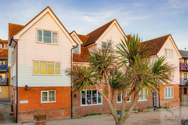 2 bed flat for sale in Belvedere Road, Burnham-On-Crouch CM0