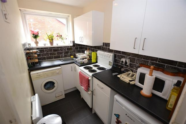 Kitchen of Hern Road, Brierley Hill DY5
