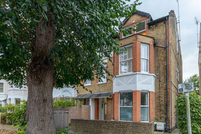 2 bed flat for sale in Glamorgan Road, Hampton Wick KT1