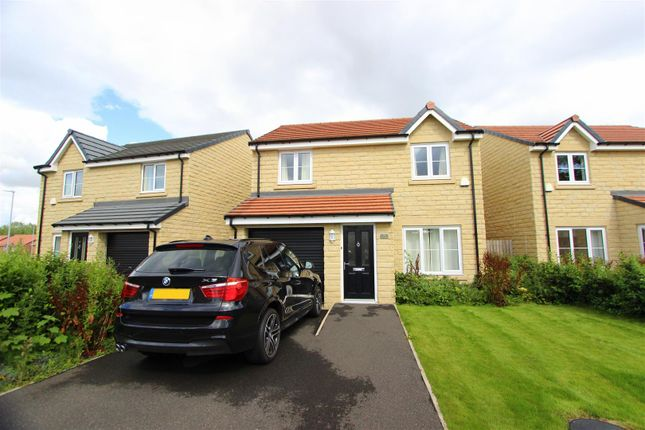 3 bed detached house to rent in Norham Drive, Darlington