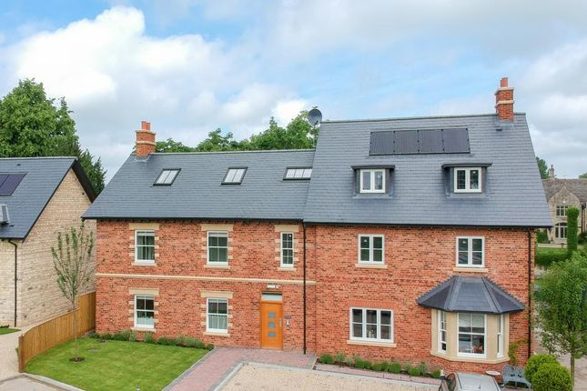 Thumbnail Flat for sale in Eynsham, Oxfordshire