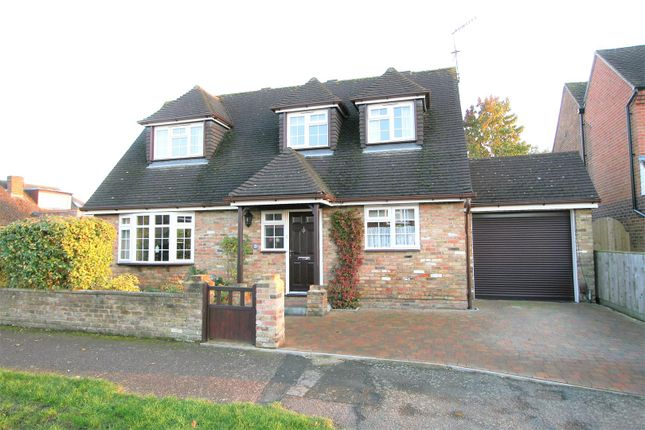 Thumbnail Detached house to rent in Jordans Way, Bricket Wood, St. Albans