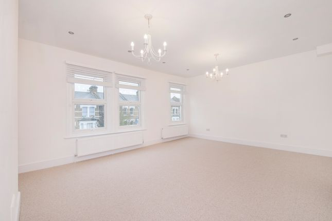Thumbnail Flat to rent in Fernhead Road, London