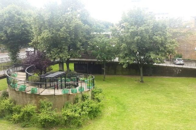 Thumbnail Flat to rent in Glamis Road, London