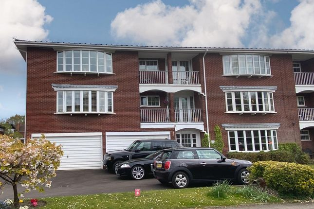 2 bed flat for sale in Lindow Court, Kings Road, Wilmslow SK9