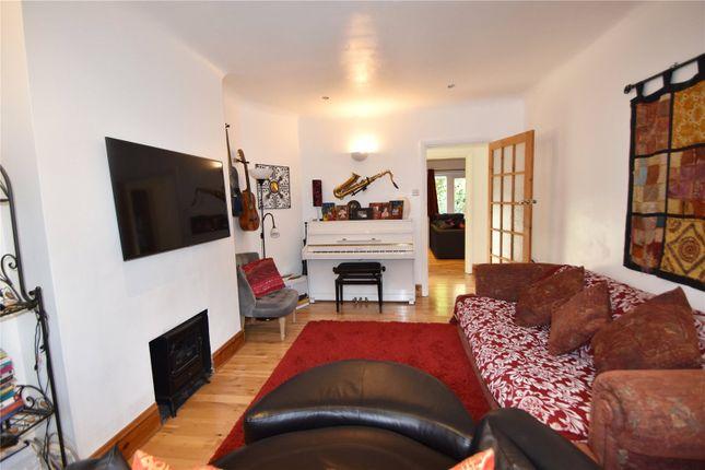 Picture No. 16 of Waynflete Avenue, Croydon CR0