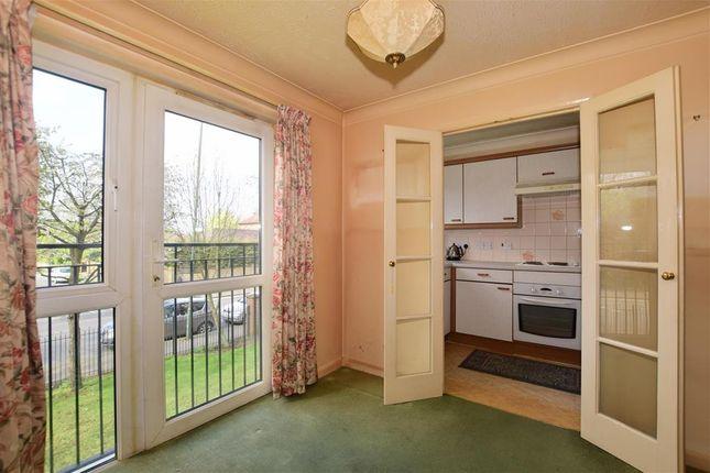 Thumbnail Flat for sale in Cranley Gardens, Wallington, Surrey
