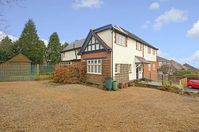 Thumbnail Detached house for sale in Barnet Lane, Elstree, Borehamwood