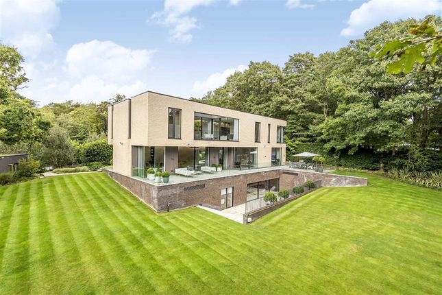 Thumbnail Detached house for sale in Hyver Hill, Mill Hill, London