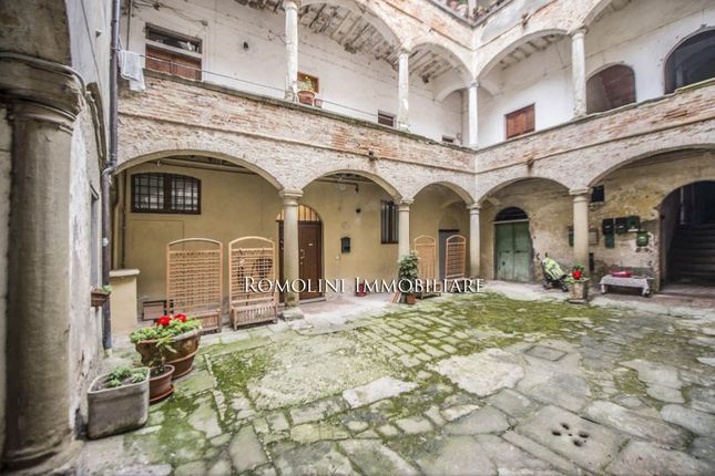 2 bed apartment for sale in Anghiari, Tuscany, Italy