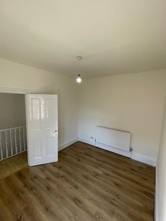 3 bed terraced house to rent in Dowsett Road, London N17