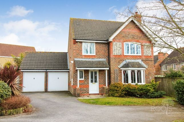 Thumbnail Detached house for sale in Violet Grove, Thatcham
