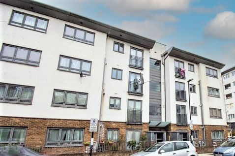 2 bed flat to rent in Grendon Street, London NW8