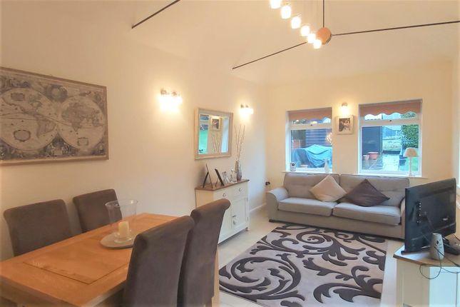 Living Room/Breakfast Room