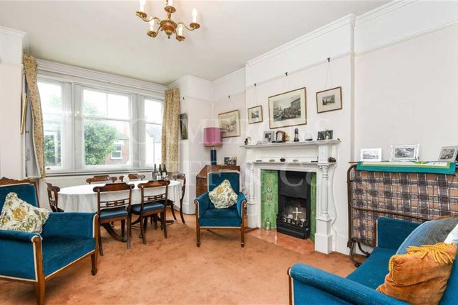 2 bed flat for sale in Melrose Avenue, Willesden Green, London