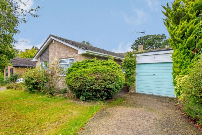 3 bed semi-detached bungalow for sale in Little Hill, Heronsgate, Rickmansworth WD3