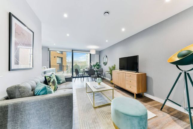 2 bed flat for sale in The Waldrons, Croydon CR0