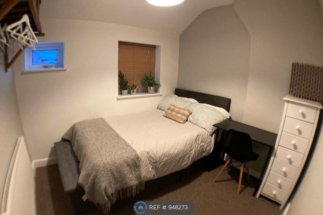 Thumbnail Room to rent in Green Lane, Vicars Cross, Chester