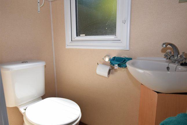 En Suite W/C of Coghurst Hall, Ivyhouse Lane, Hastings, East Sussex TN35