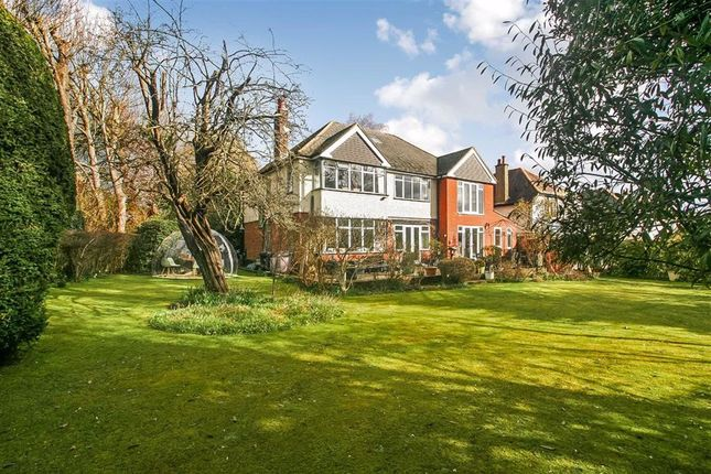 Thumbnail Detached house for sale in Warwick Road, West Coulsdon, Surrey