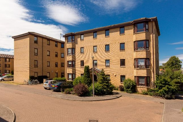 Thumbnail Flat to rent in West Powburn, Edinburgh
