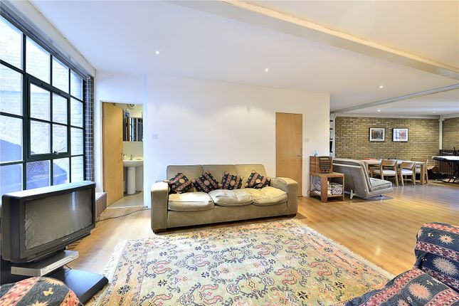 Thumbnail Flat for sale in Clink Wharf, Clink Street, London
