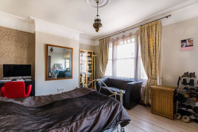 Thumbnail Property for sale in Hardwicke Road, Bounds Green
