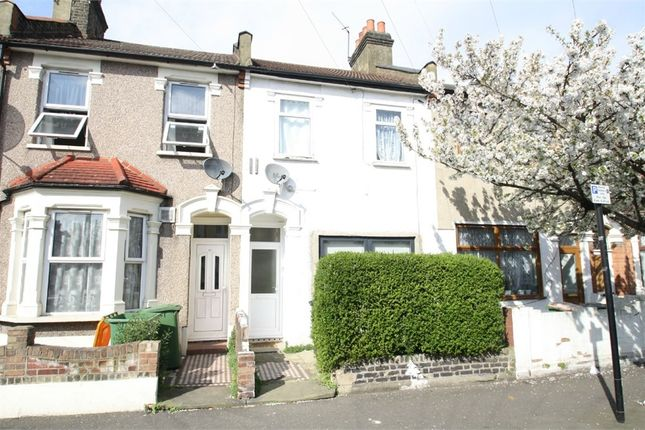 2 bed flat for sale in Kempton Road, East Ham, London